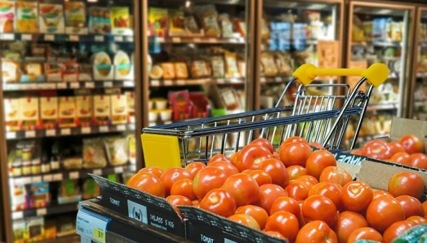 Украинцев предупредили о резком скачке цен на продукты. Весь список
