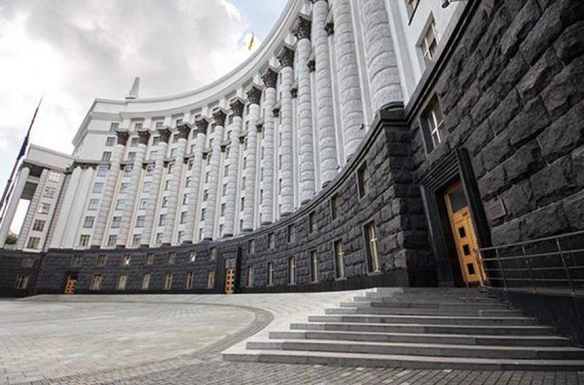"""В """"коронавирусном"""" 2020 году умерло на 10 тысяч меньше украинцев, чем год назад"""