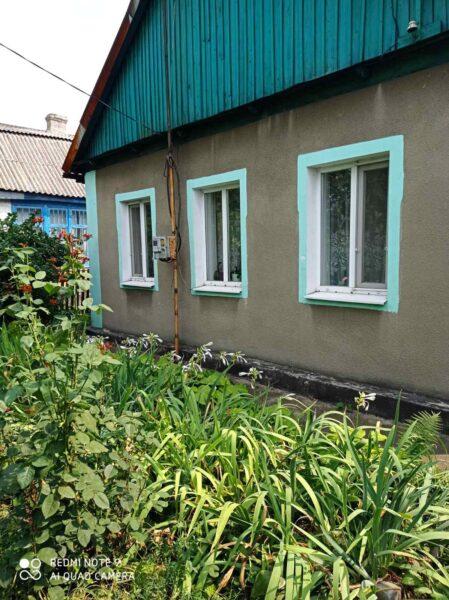 Продам дом , участок 6 соток + огород 4 сотки, гараж, летняя кухня, хоз.постройки.